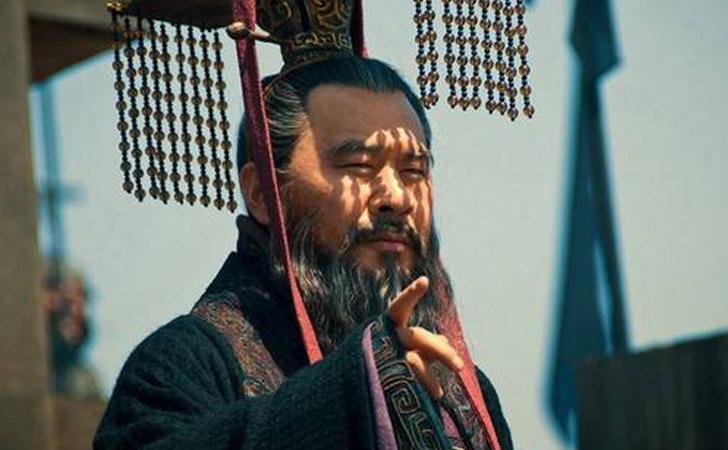 为什么曹操20岁就赢得了三军总司令的赏识?